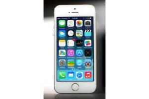 Нові Сенсорні мобільні телефони Apple Apple iPhone 5S