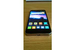 б/у Мобильные на две СИМ-карты Jiayu