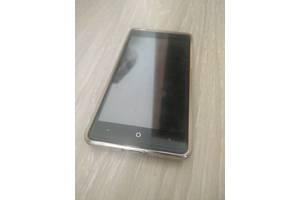 б/у Мобильные на две СИМ-карты Leagoo