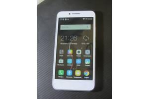 б/в Мобильные на две СИМ-карты Lenovo