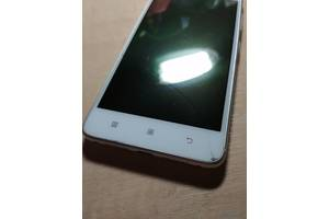 б/у Мобільні на дві SIM-картки Lenovo Lenovo S90