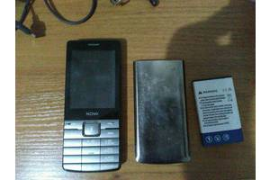 б/в Мобільні на дві СІМ-карти Nomi