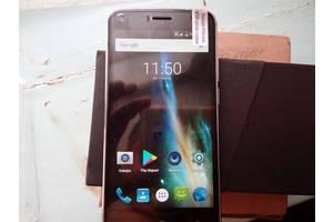 Новые Мобильные на две СИМ-карты Umi