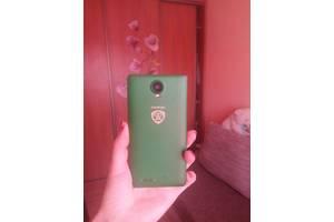 б/у Сенсорные мобильные телефоны Prestigio Wize E3 3509 Duo