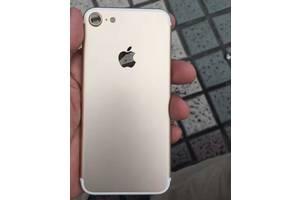 б/у Мобильные для девушек Apple iPhone 7