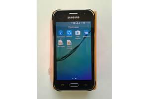 б/у Мобильные на две СИМ-карты Samsung Samsung Galaxy J1 SM-J110H/DS