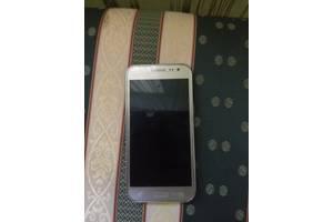б/у Мобильные на две СИМ-карты Samsung Samsung Galaxy J2