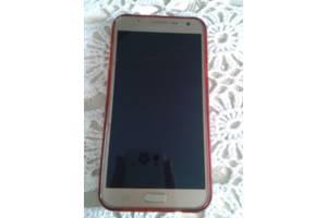 б/у Мобильные на две СИМ-карты Samsung Samsung Galaxy J7