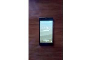 б/у Мобильные на две СИМ-карты S-Tell