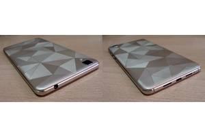 Нові Сенсорні мобільні телефони Bravis