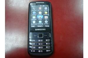 б/в Мобильные на две СИМ-карты Samsung