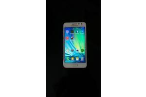 б/у Мобильные на две СИМ-карты Samsung Samsung Galaxy A3