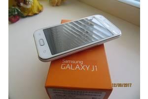 б/в Мобільні телефони, смартфони Samsung Samsung Galaxy J1 SM-J110H/DS