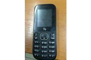 б/у Мобильные на две СИМ-карты Fly Fly DS105 Black Red