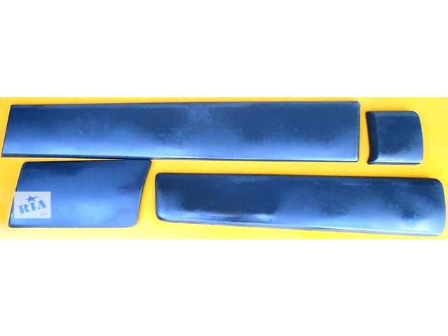 купить бу Молдинг заднего крыла длинная база Opel Vivaro Опель Виваро Renault Trafic Рено Трафик Nissan Primastar в Ровно