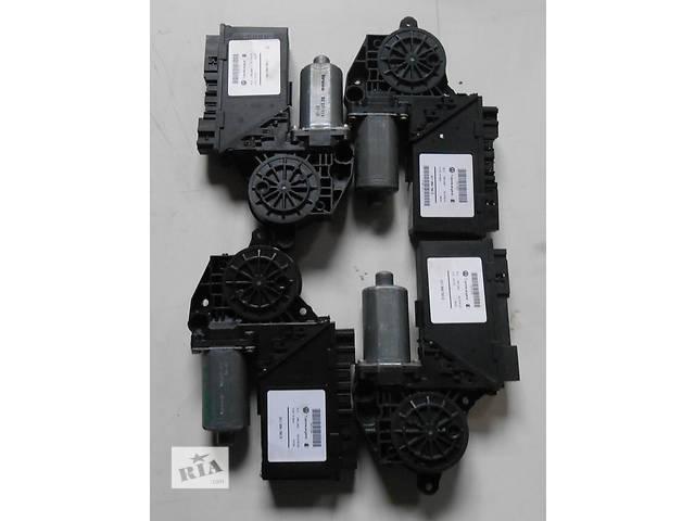 бу Моторчик стеклоподъёмника Volkswagen Touareg Туарег 3D1959792B 3D1959793B 3D0959795C 3D1959792E 2003 - 2005 в Ровно