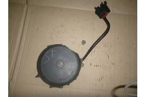 б/у Моторчик вентилятора радиатора Skoda Fabia
