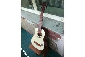 б/у Акустические гитары Behringer