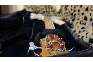 б/в Бас гітари Ibanez
