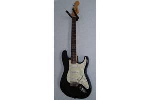 б/у Музыкальные инструменты Squier by Fender