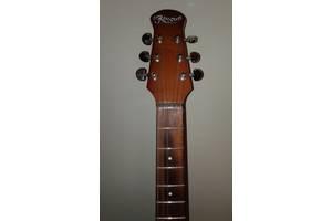 б/у Акустические гитары Renome