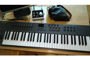 б/в Музичні інструменти для студії