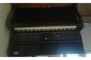 б/у Клавишные инструменты
