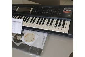 б/в Синтезатори Roland