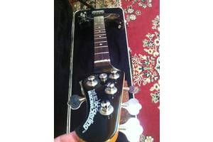 б/в Бас гітари MusicMan