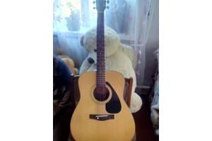 б/у Акустические гитары Yamaha