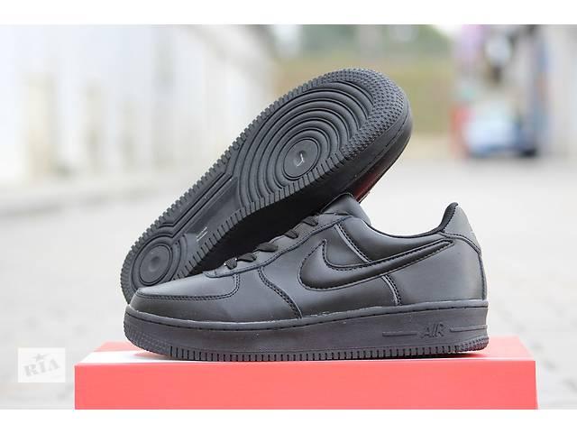 бу Мужские зимние кроссовки Nike Air Force черные    в Хмельницком