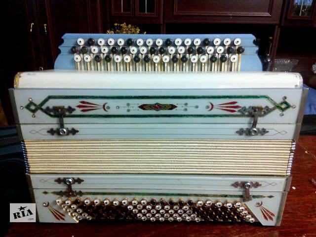 купить бу Музыкальные инструменты в Краматорске