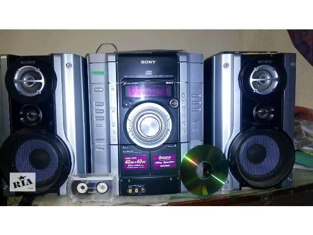 музыкальный центр Sony c 3 CD диск 2х кассетным магнитофоном FM Radio колонками .....- объявление о продаже  в Киеве