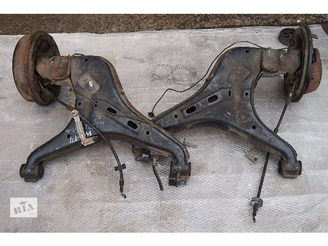 ступицы задние на VW T4 1993 ро тормоза барабанные, не дисковые все в рабочем станіможна по запчастям- объявление о продаже  в Черновцах