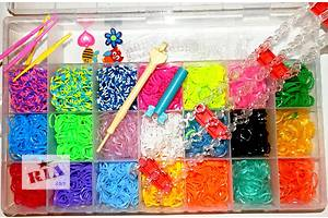 набор Loom Bands 4400 разноцветных резинок для плетения браслетов сувениров. для детей и родителей!