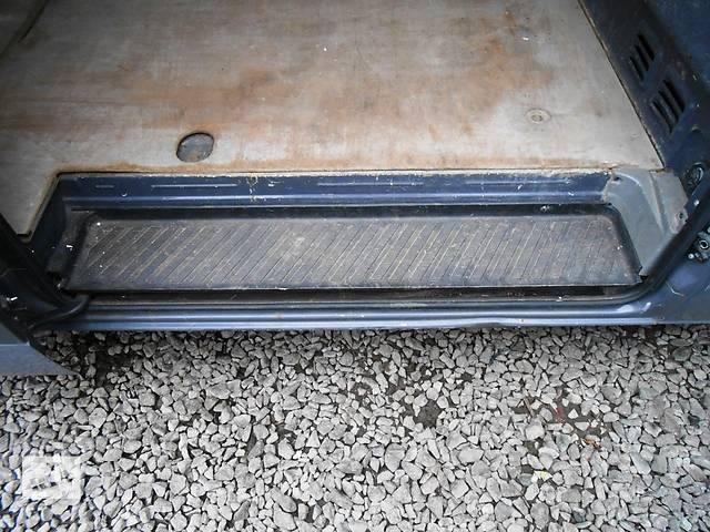 купить бу Накладка порога, подножка, порог сдвижной двери Mercedes Sprinter 906 315 2006-2012г в Ровно