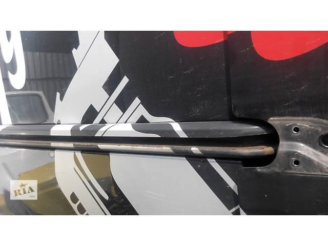 купить бу Направляющая бок двери, рейка, лыжа Opel Vivaro Опель Виваро Renault Trafic Рено Трафик Nissan Prima в Ровно