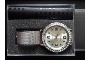 б/у Наручні годинники жіночі Geneva