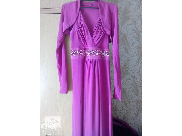 продам Нарядное алое платье. бу в Умани