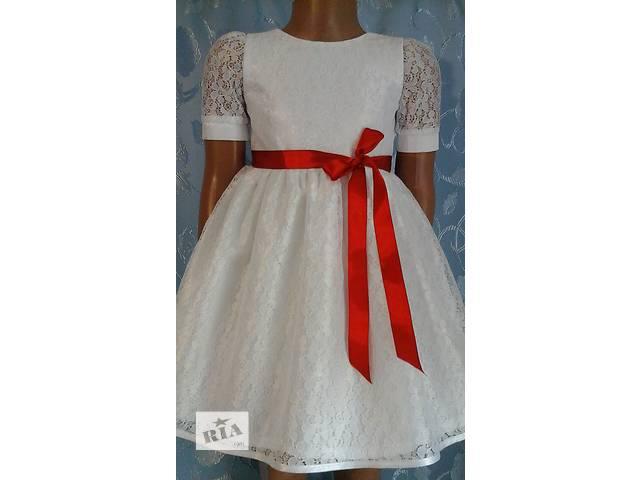 бу Нарядное детское платье, белое с ленточкой, модель № 34 в Хмельницком