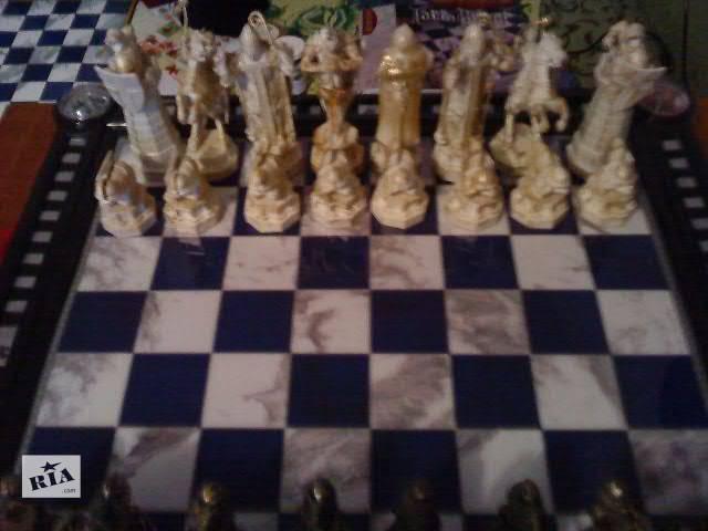 продам Настольные игры для детей Шахматы новый бу в Донецке