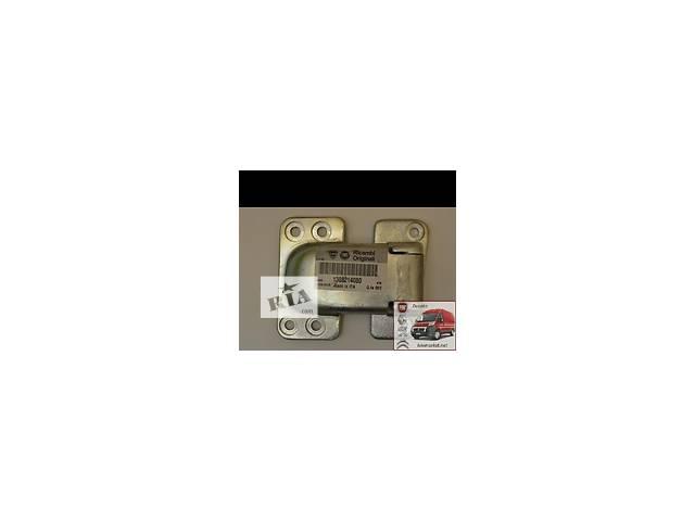 Навес двери, петля с высоким  Пежо Боксер Peugeot Boxer 1308214080- объявление о продаже  в Яготине
