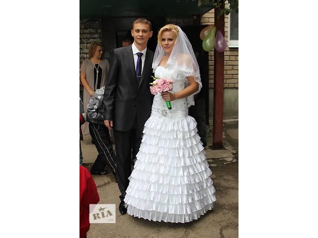 продам Недорого свадебное платье бу в Запорожье