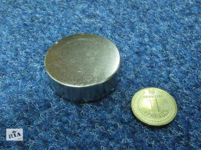 купить бу Неодимовый магнит 45*15 в Киеве