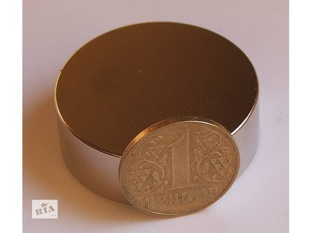 купить бу Неодимовый магнит магніт 60х30 Сцепление ― 130 кг Намагниченость N-42  в Черкассах