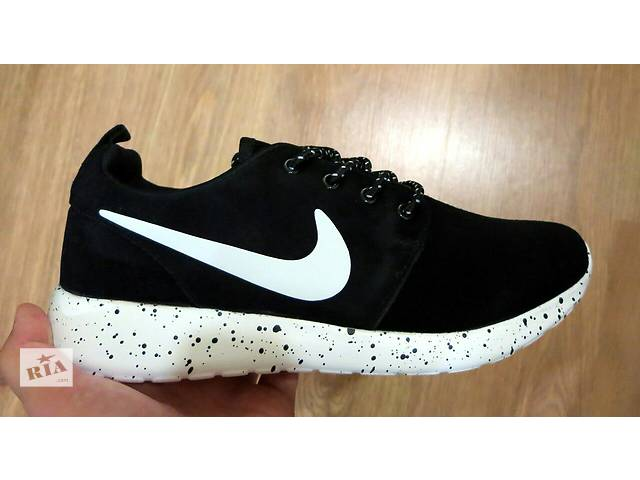 купить бу Nike Roshe Run Oreo black and white из натуральной замши  в Светловодске