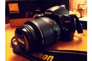 б/у Зеркальные фотоаппараты Nikon D3000 Kit (18-55 VR)