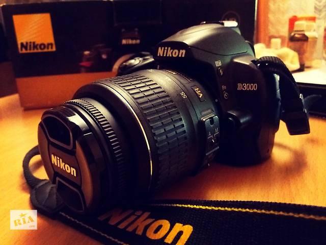 купить бу Nikon d3000 18-55VR DX KIT Зеркалка в Ивано-Франковске