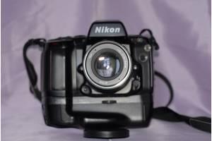 б/у Пленочный фотоаппарат Nikon