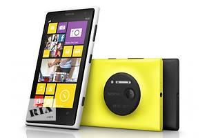 Nokia 920,экран 4,5 дюйма,Wi-Fi,яркие цвета.